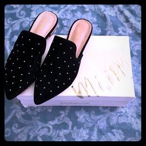 NWT mi.im black slid on shoes